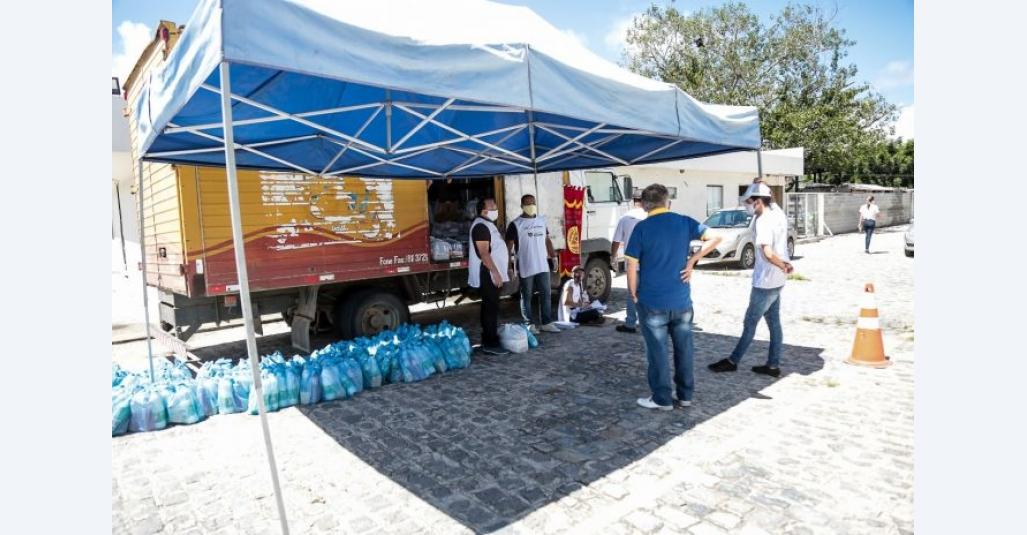Rede de solidariedade já alcançou quase 3 mil famílias com cestas básicas em Caruaru